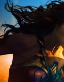 REVIEW: Wonder Woman Lassos Up a Win